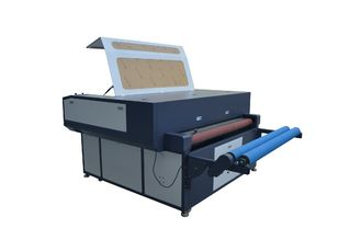 China CO2 Laser Fabric Cutting Equipment RD Control With Conveyor Table supplier